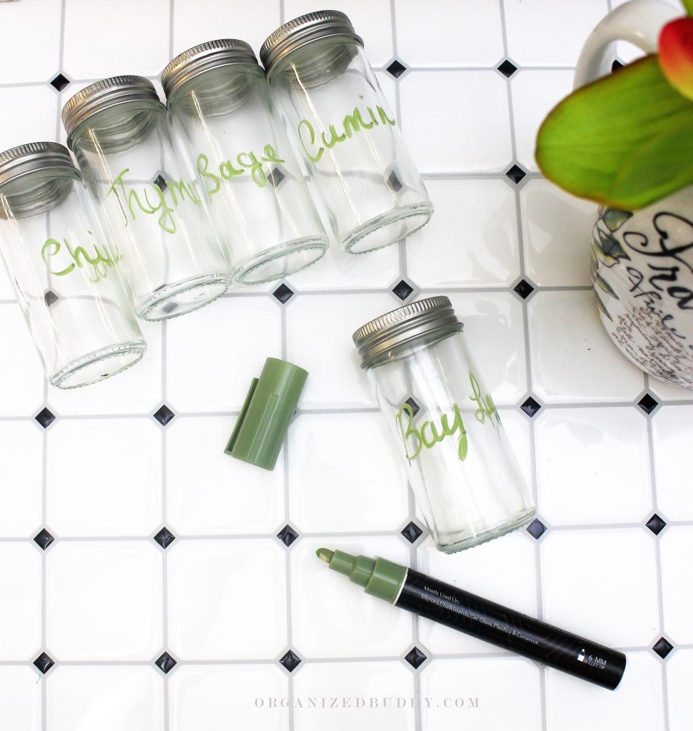 labeling glass jars